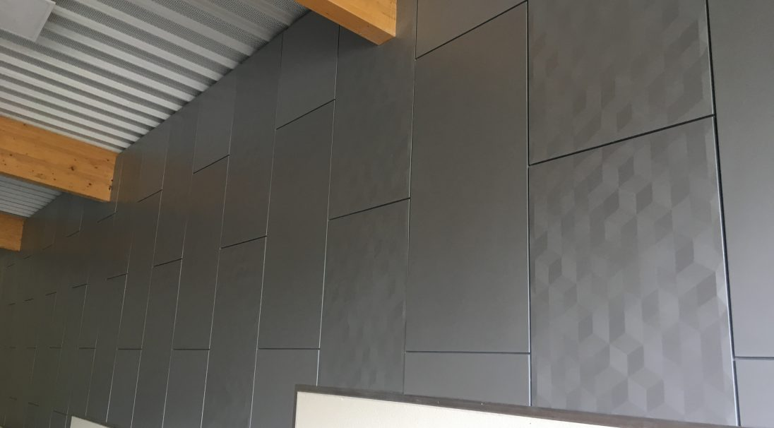 Location: Voigny (France),  Architects: BET Manager,  Construction type: new build, interior,  Installation system: wall cladding without subframe (CWoS),  Products: MATT & PIXEL