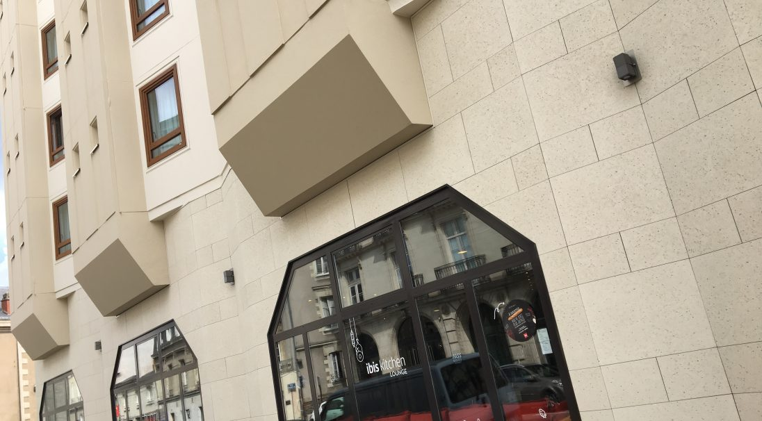 Nantes Ibis hotel rainscreen cladding
