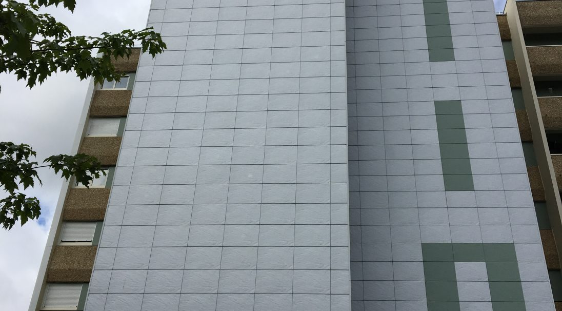 Location: Cité des Demoiselles, Les Herbiers (France),  Construction type: renovation,  Installation system: wall cladding without subframe (CWoS),  Product: PIERRE DE LOIRE