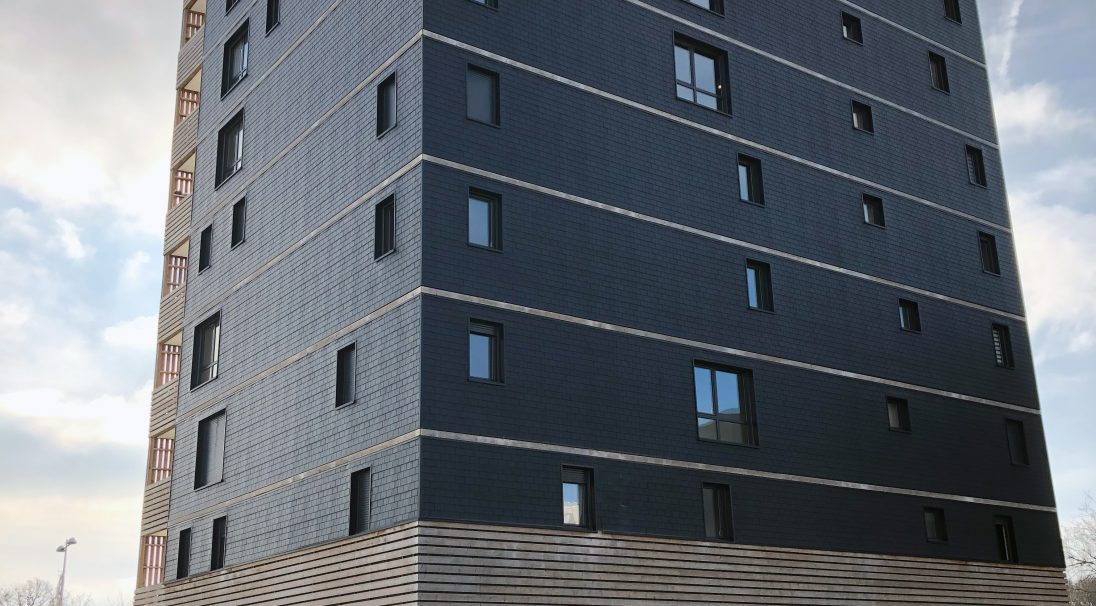 Location: Saint-Nazaire (France),  Architects: Jba,  Type de construction : neuf,  Installation system: wall cladding without backing structure (CWoB),  Product: GRAF SLATE