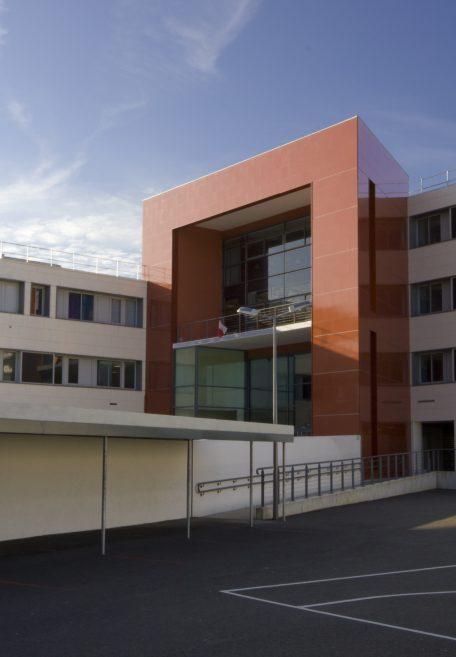 Paul Éluard Secondary School