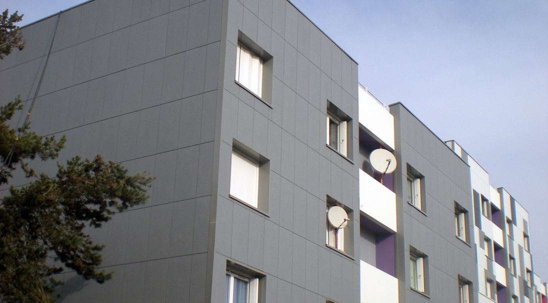 Location: Cholet (France),  Architects: Geflot Vittel Lattitude,  Construction type: renovation,  Installation system: wall cladding without backing structure (CWoB),  Product: MATT