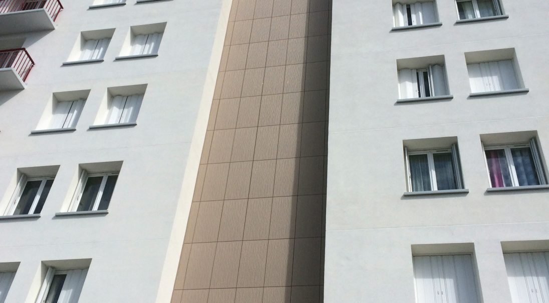Location: Tours (France),  Construction type: renovation,  Installation system: wall cladding without subframe (CWoS),  Product: DUNE