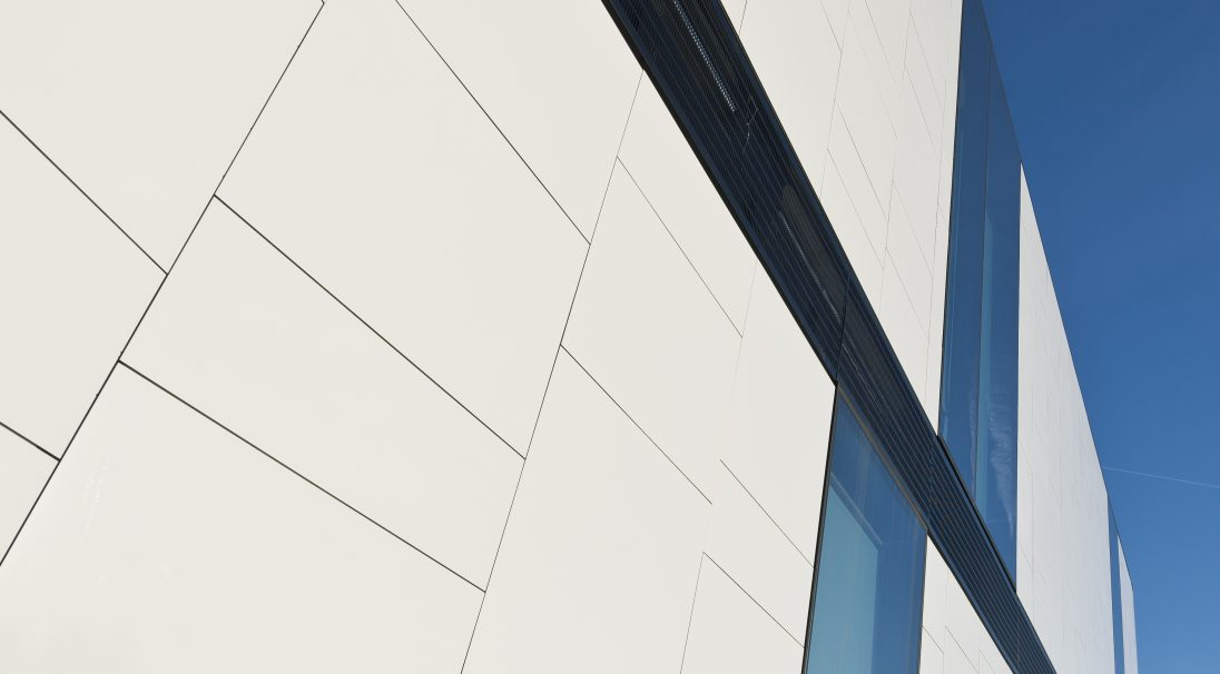 Hertfordshire University Law & Court building rainscreen cladding