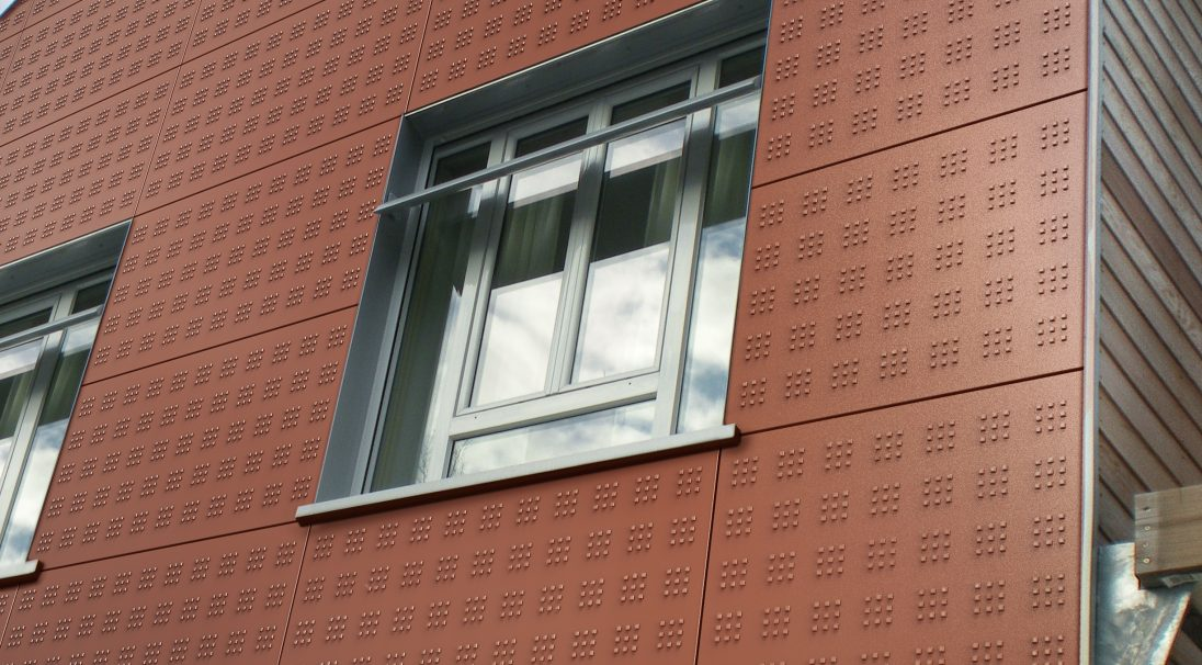 Housing rainscreen cladding